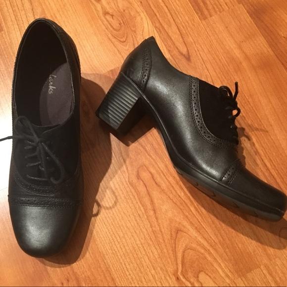 08271e9337dd8 Clarks Shoes | Bendable Oxford Heels 95 | Poshmark